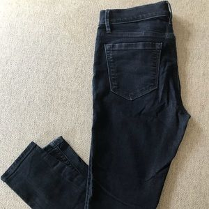 Skinny Ankle Length Jeans w/Zipper Detail